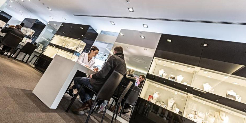 The jeweler had been using an analog security camera system, which was starting to show its age and no longer ran smoothly