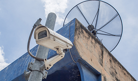 Surveillance systems planned around cameras that capture and stream video to a centralised general purpose IT servers lead to poor video quality