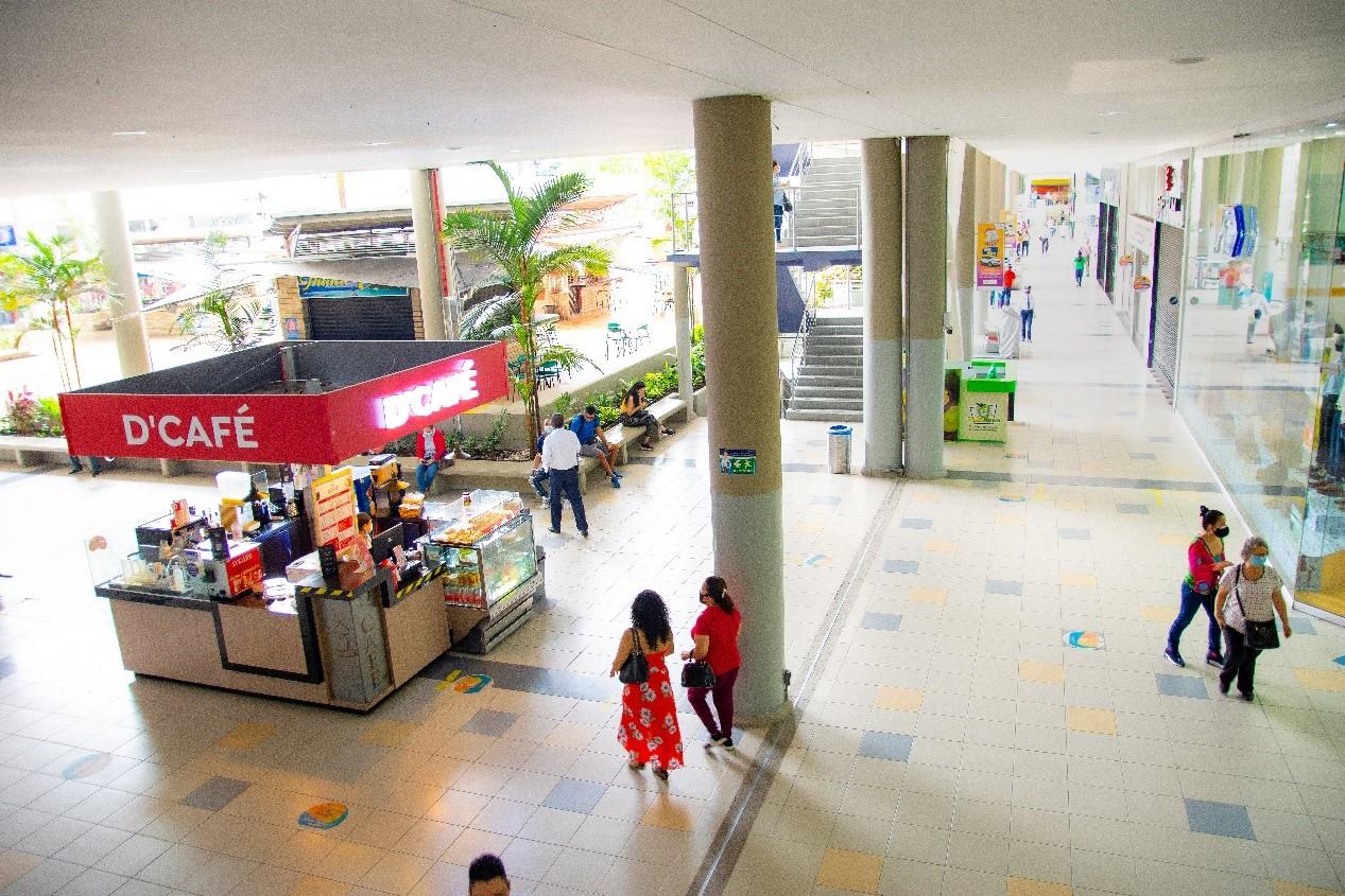 Addressing video surveillance challenges at Palmetto Plaza