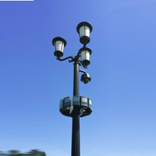 The VARIO i8-3 triple panel illuminators were mounted on the lamp posts to create a graceful halo of invisible light