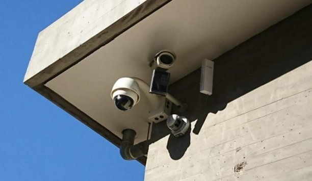 Raytec Hybrid IP PoE illuminators protect residential palace in Lebanon from intruders