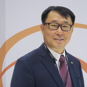Bob (H.Y.) Hwang Ph.D